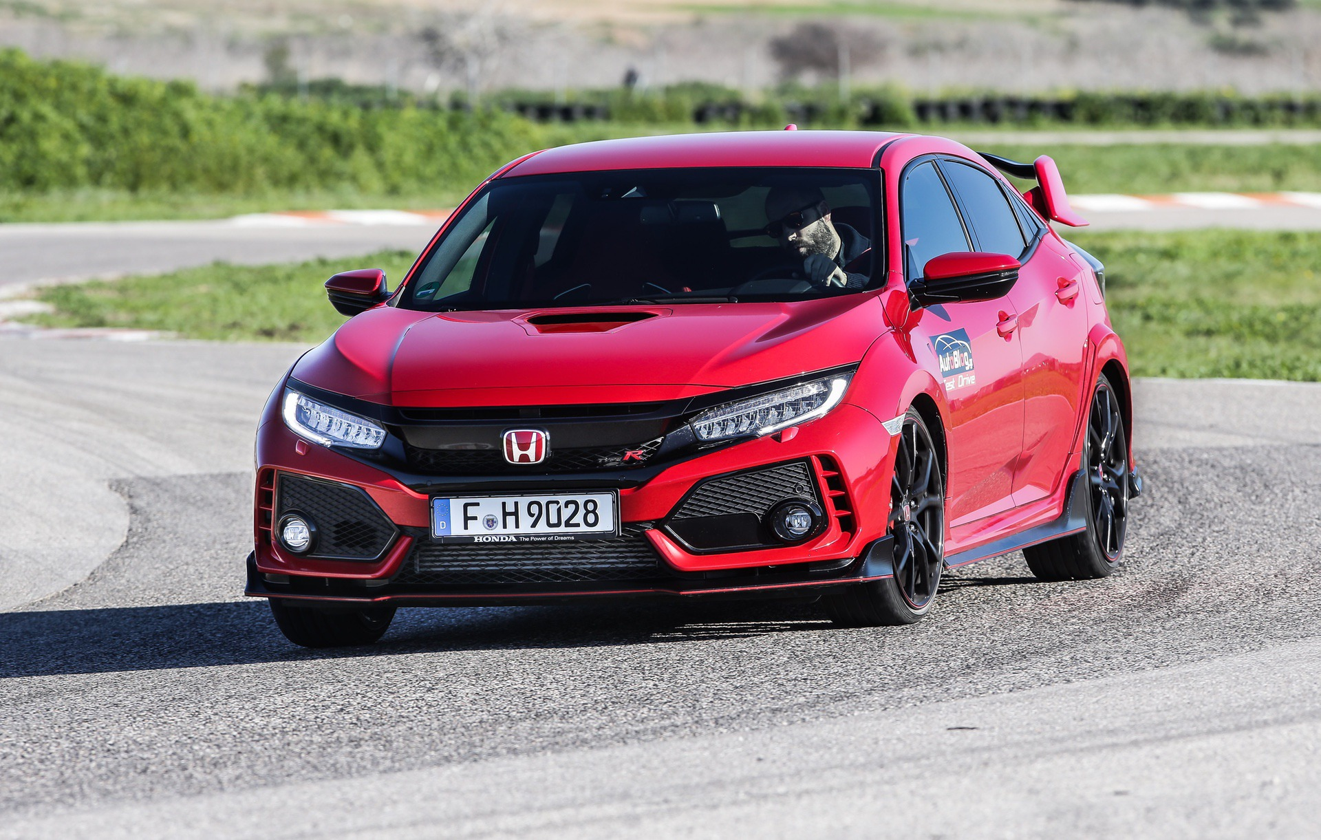 Track_Test_Honda_Civic_Type_R_000