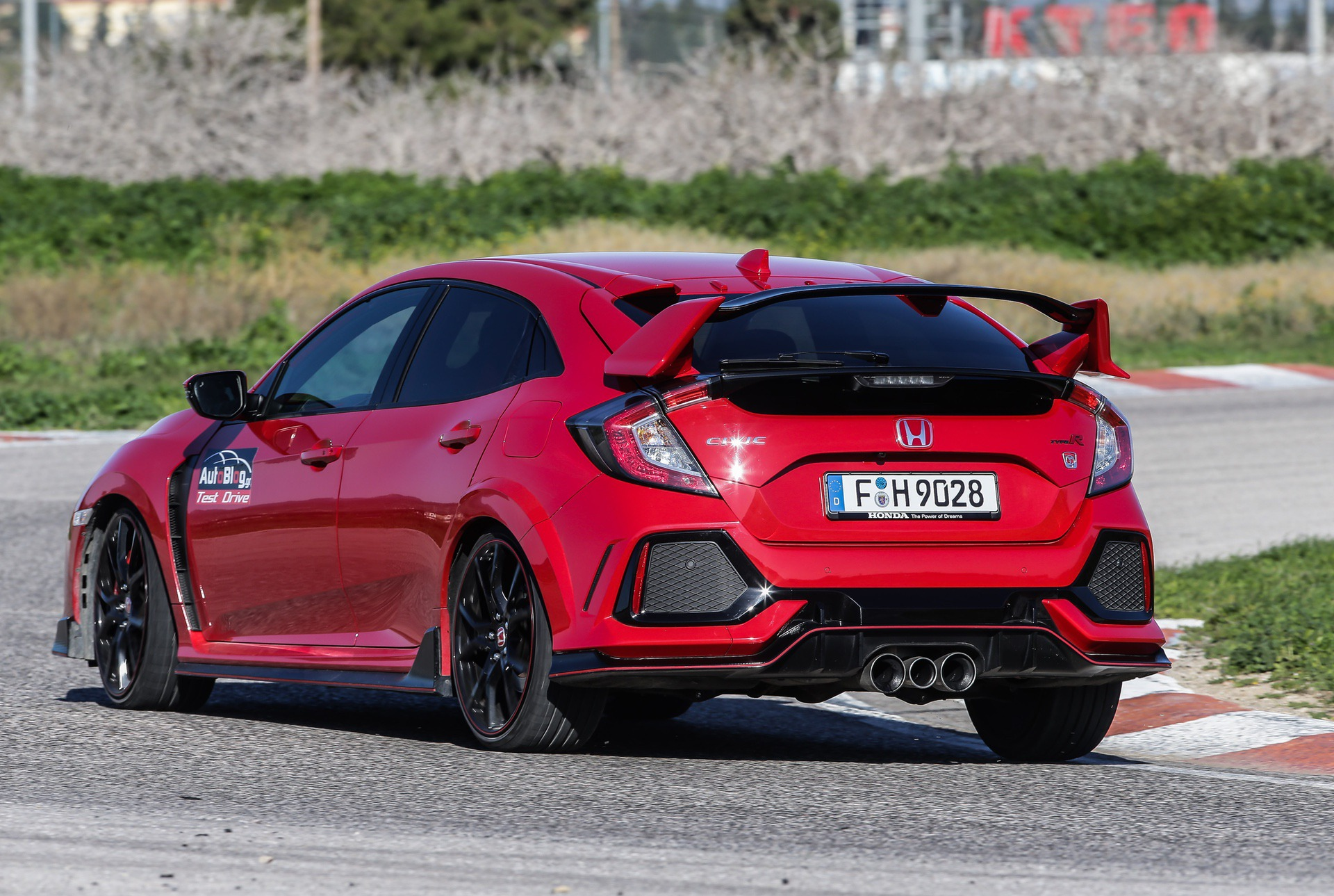 Track_Test_Honda_Civic_Type_R_003