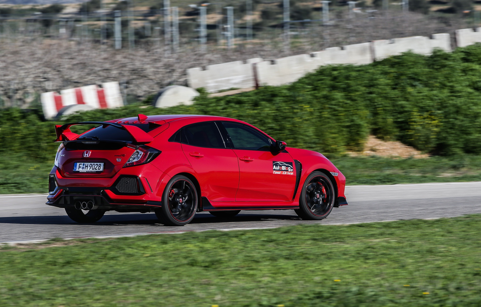 Track_Test_Honda_Civic_Type_R_006