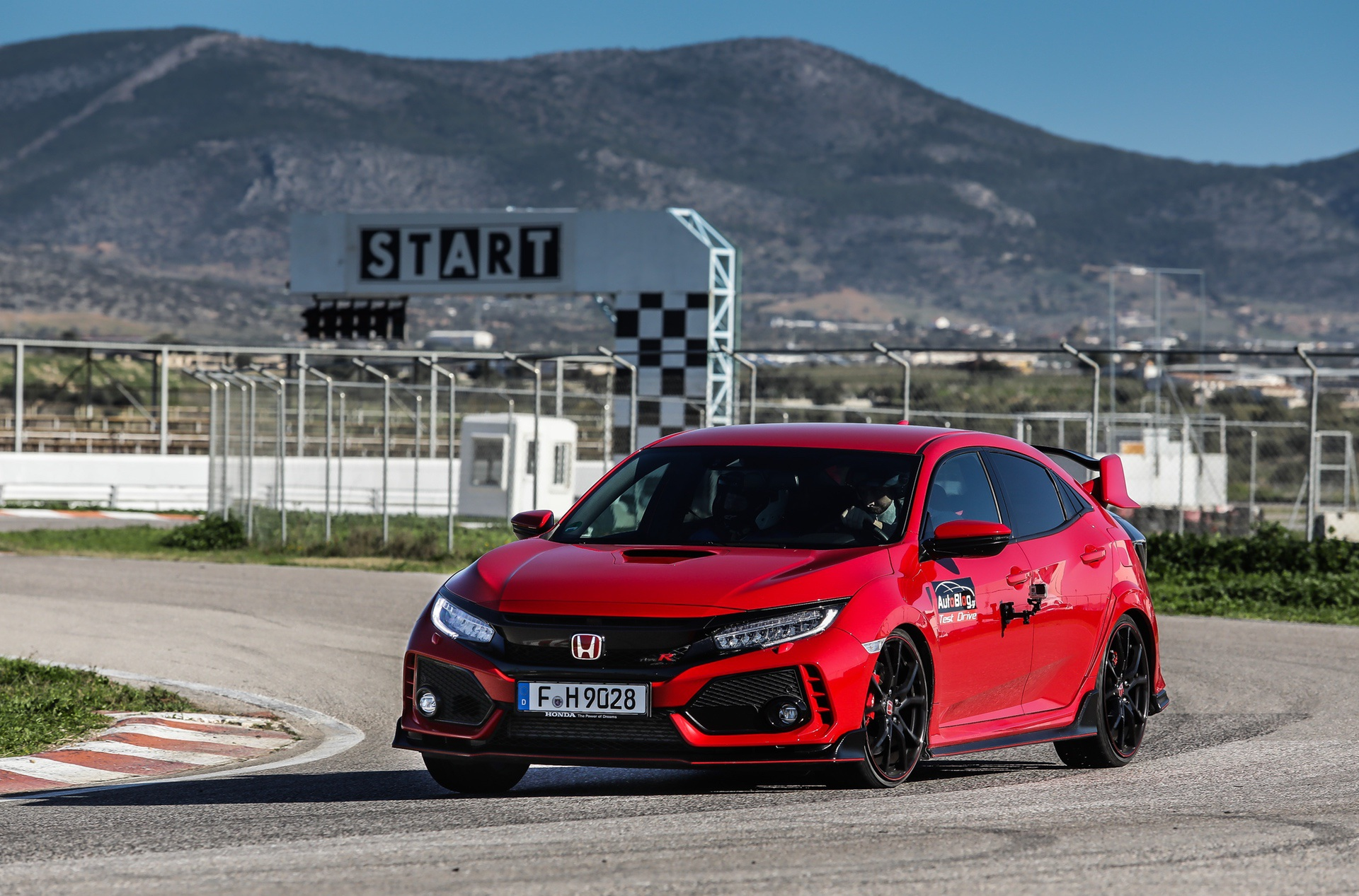 Track_Test_Honda_Civic_Type_R_019