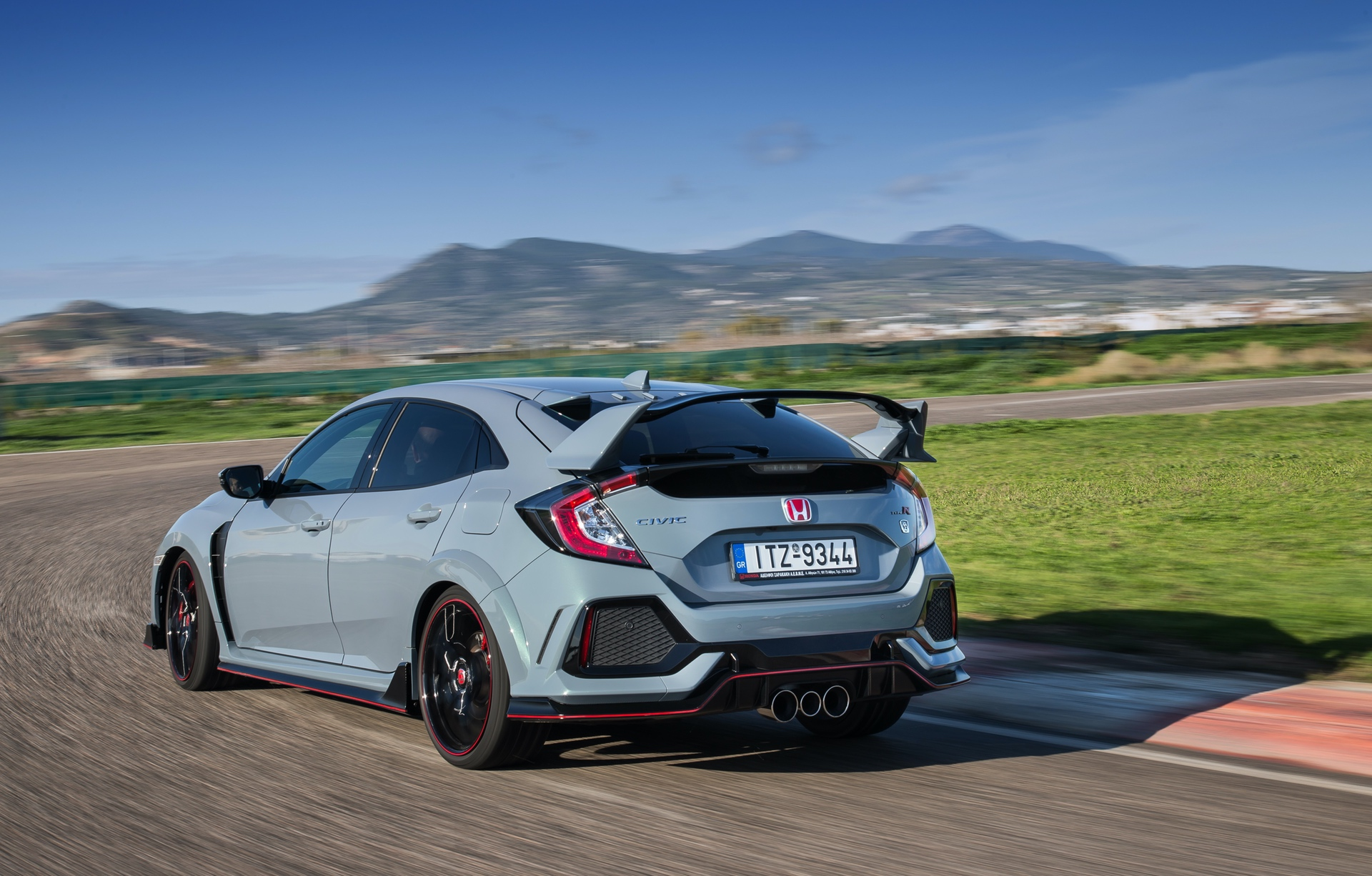 Track_Test_Honda_Civic_Type_R_069