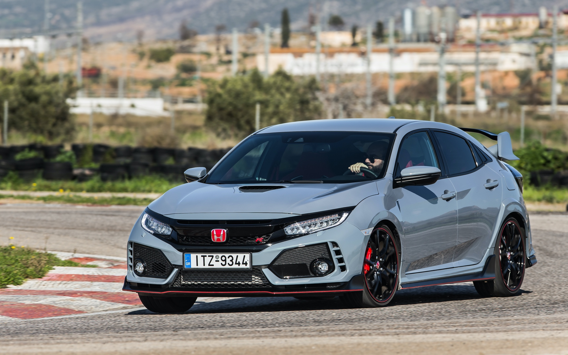 Track_Test_Honda_Civic_Type_R_075