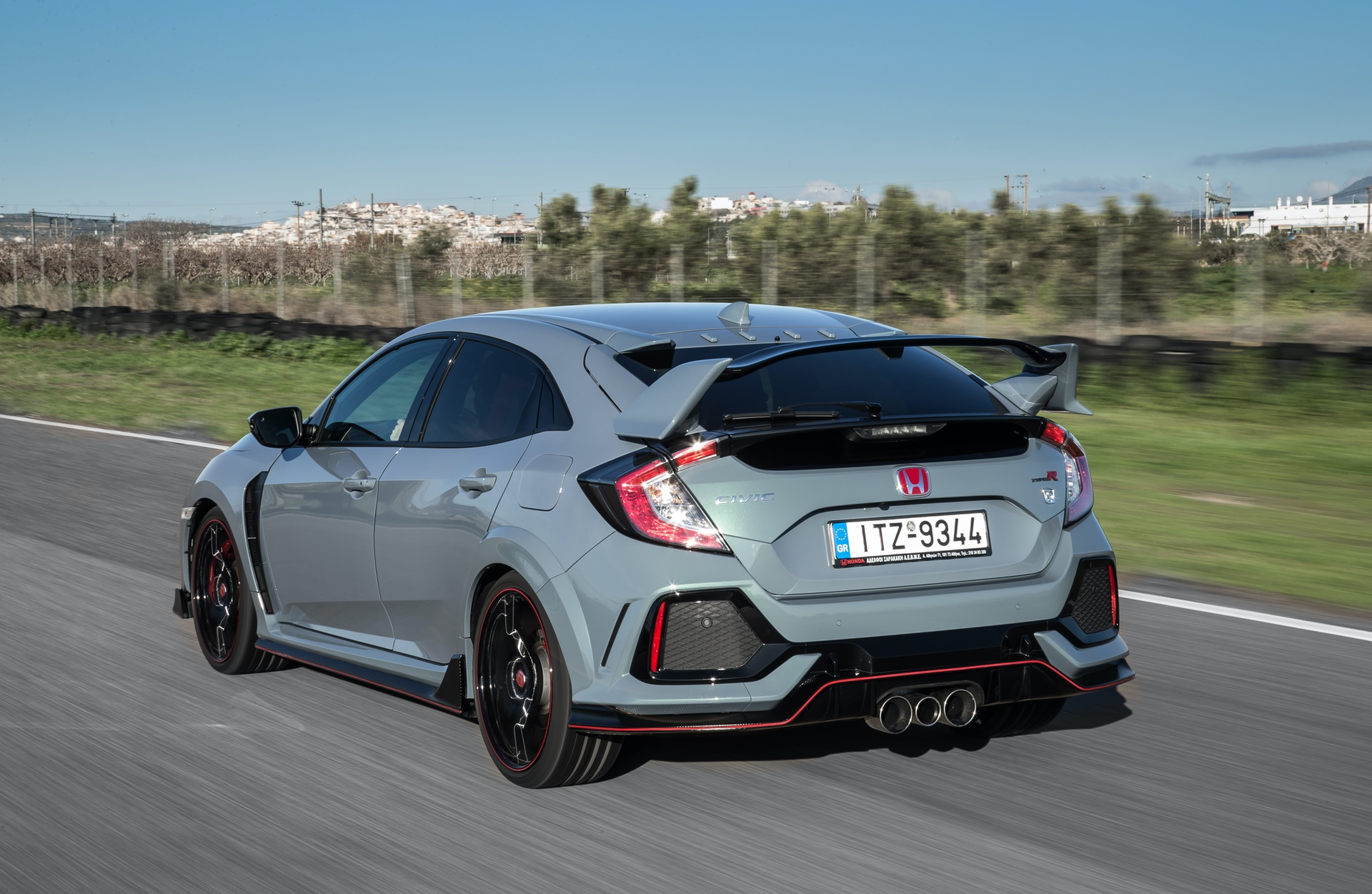 Track_Test_Honda_Civic_Type_R_087