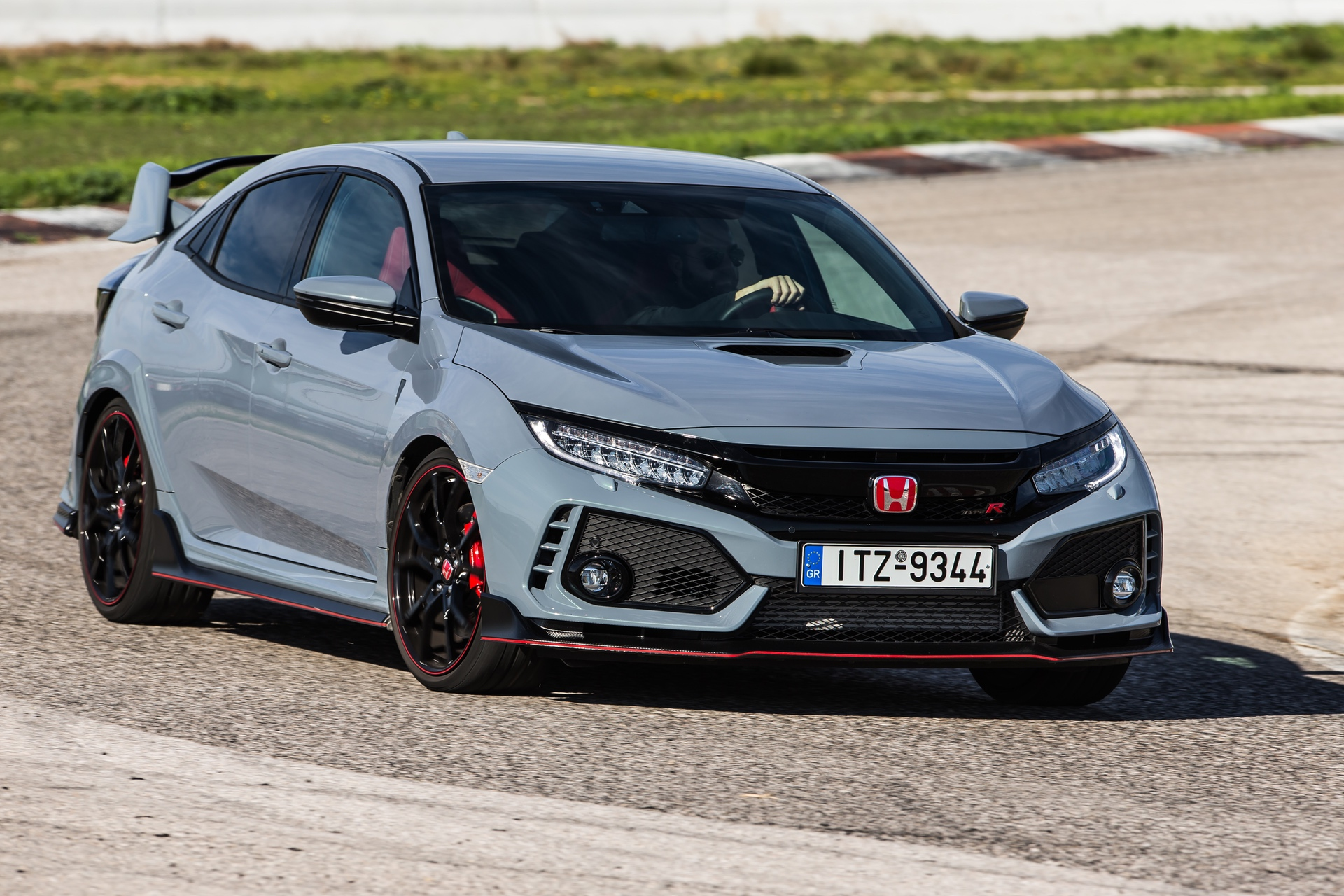Track_Test_Honda_Civic_Type_R_090