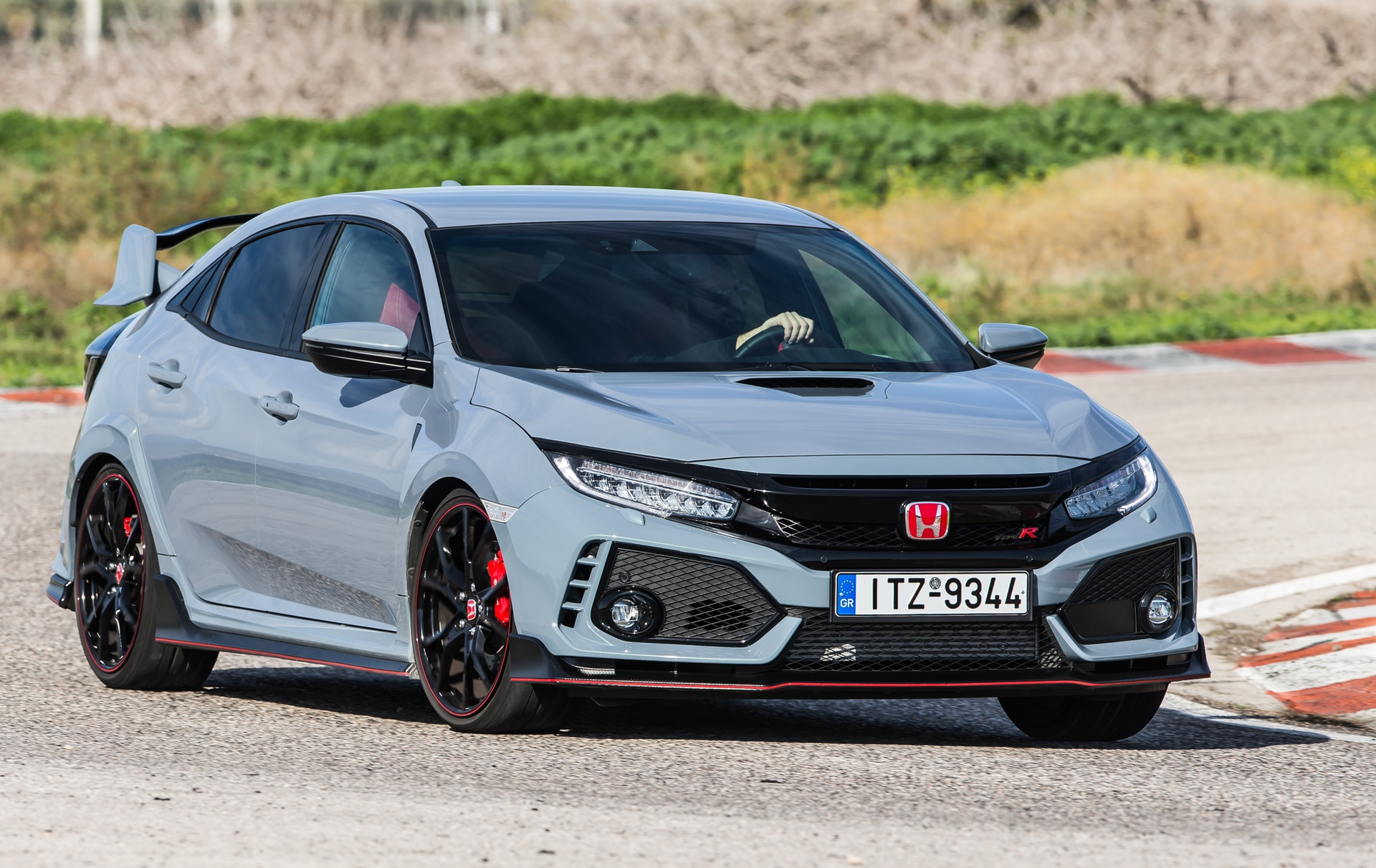 Track_Test_Honda_Civic_Type_R_101