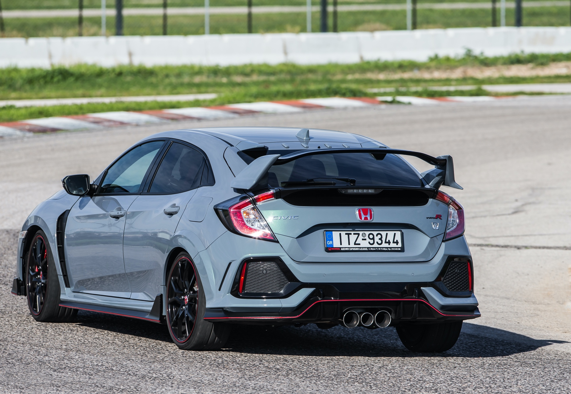 Track_Test_Honda_Civic_Type_R_104