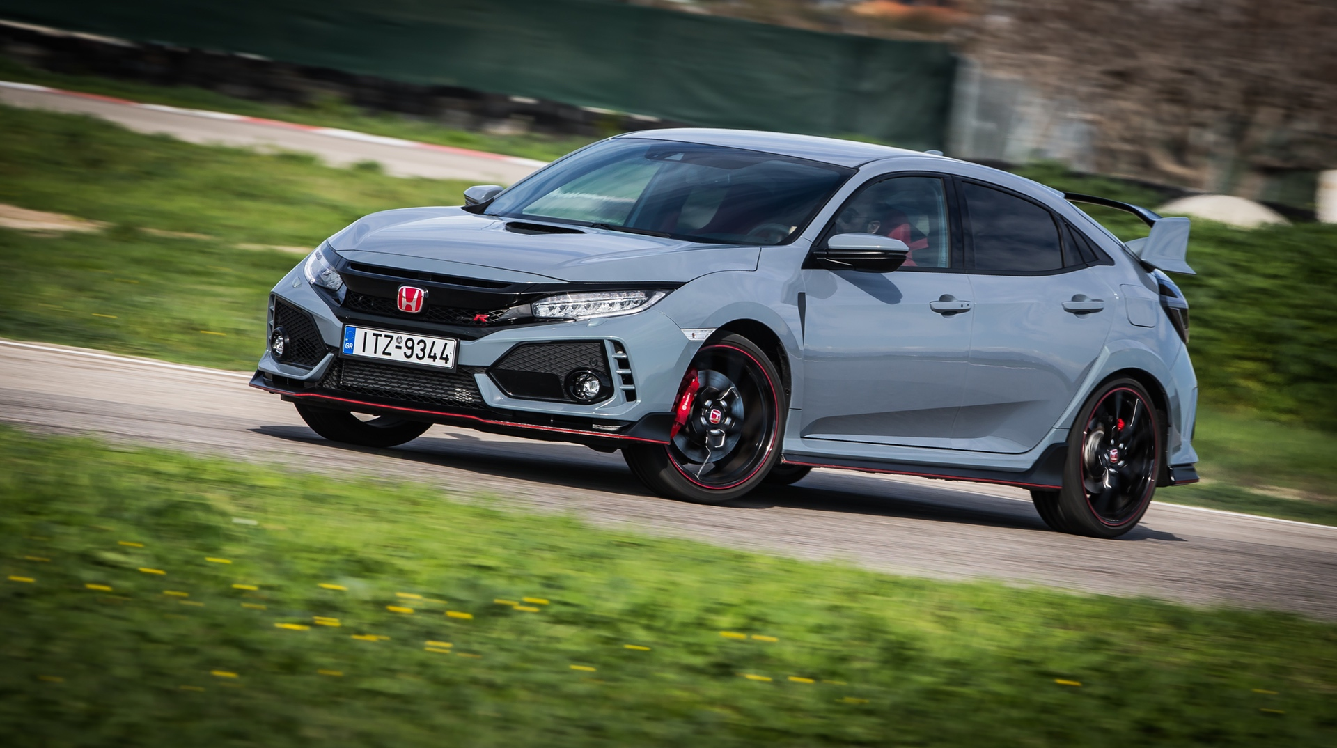 Track_Test_Honda_Civic_Type_R_105