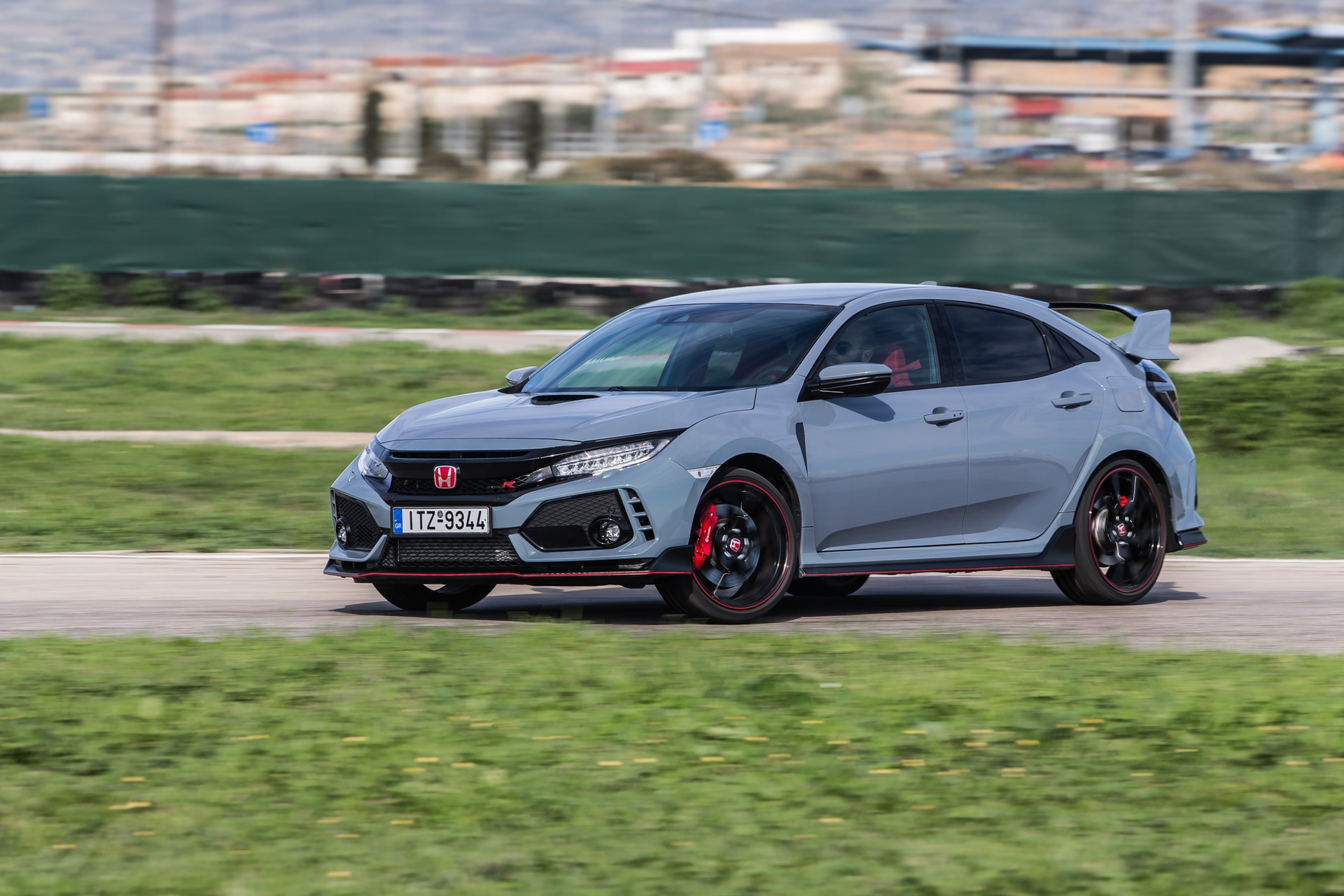 Track_Test_Honda_Civic_Type_R_107