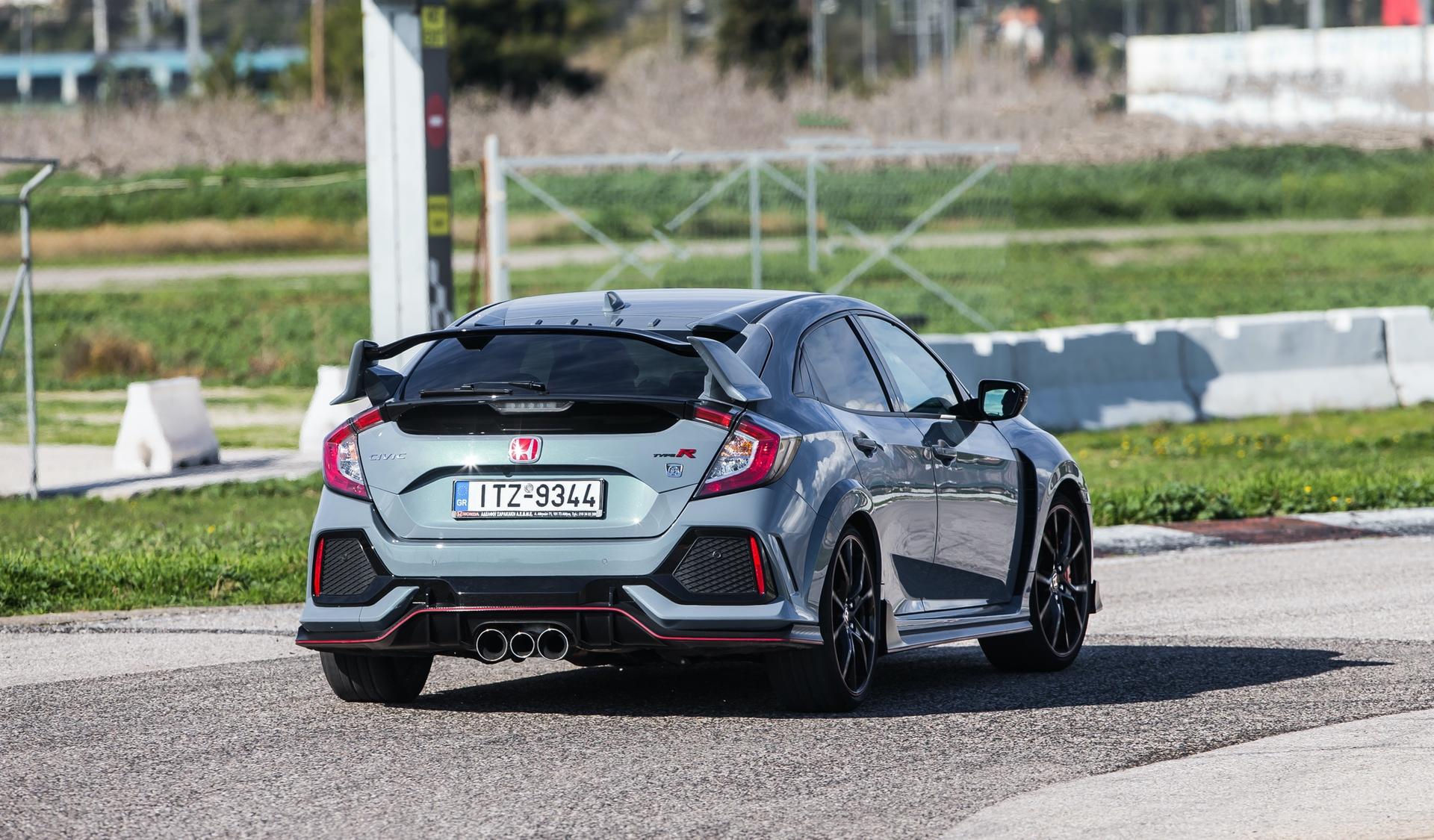 Track_Test_Honda_Civic_Type_R_111