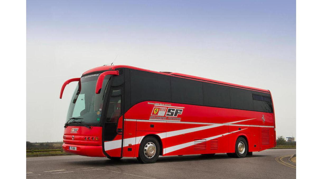 Transporteur_Iveco_Scuderia_Ferrari_2001_0001
