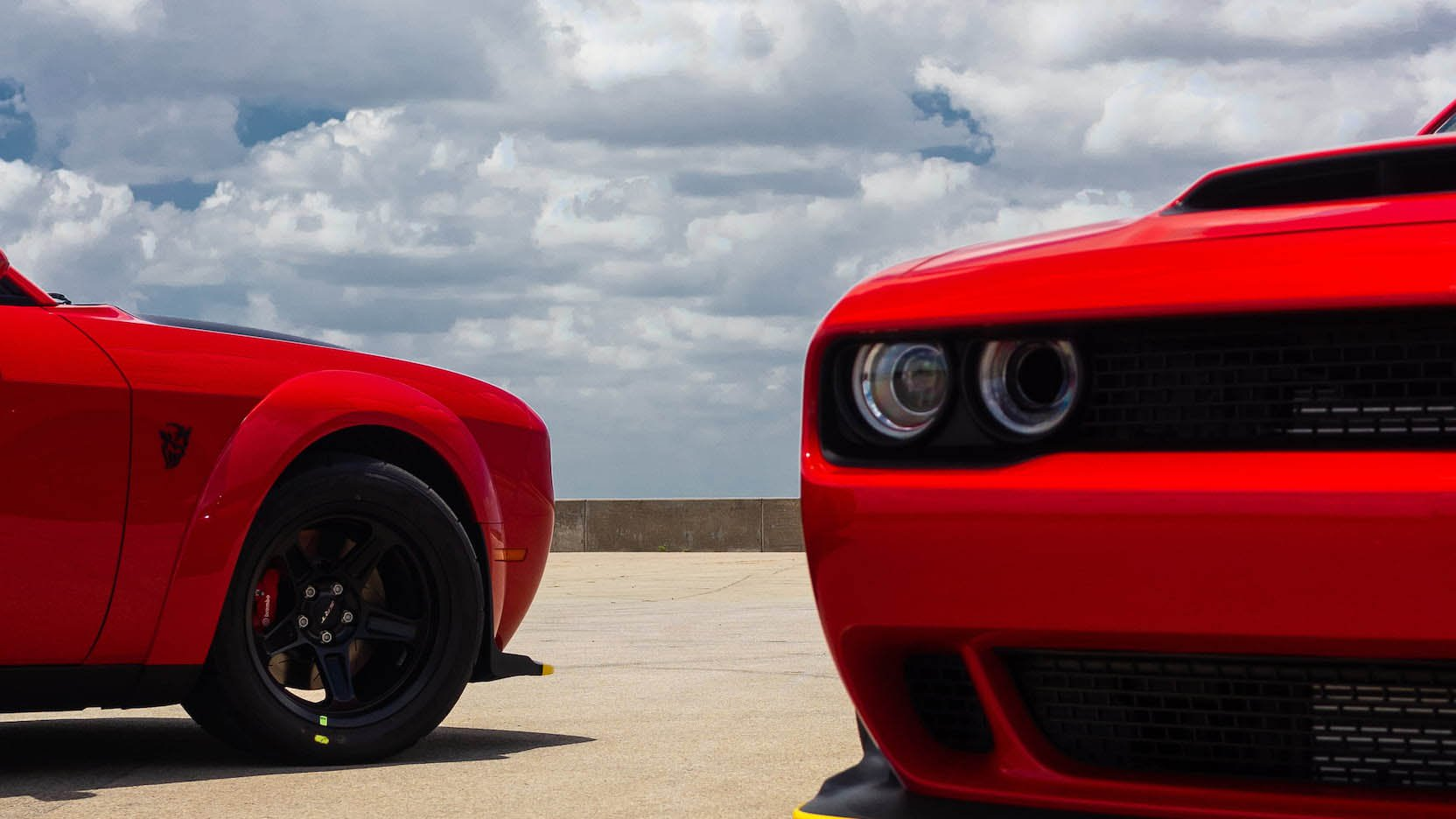 Two Dodge Challenger Demon in auction (14)