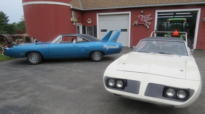 Two Plymouth Superbird for sale (2)