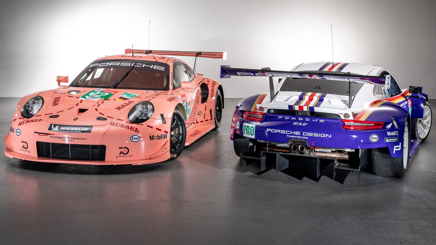 Two Porsche 911 RSR in historic livery (12)
