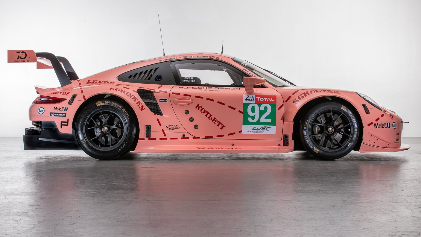 Two Porsche 911 RSR in historic livery (13)