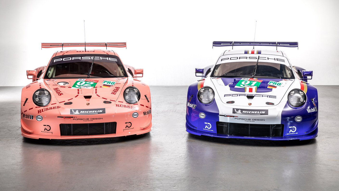 Two Porsche 911 RSR in historic livery (15)