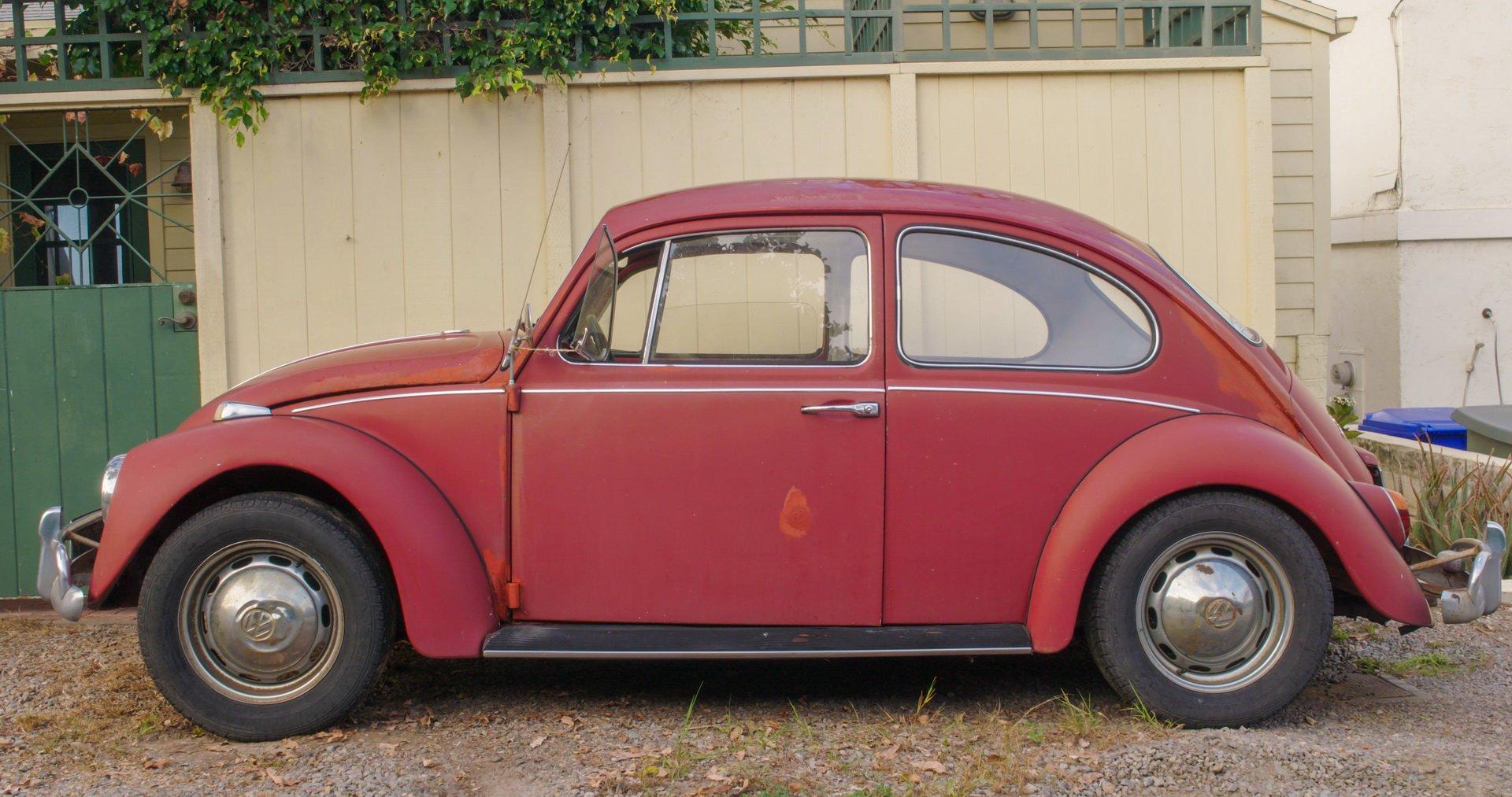 7c7f6810-1966-vw-beetle-restoration-19