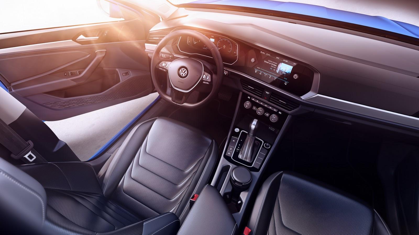 Volkswagen Jetta 2018 (14)