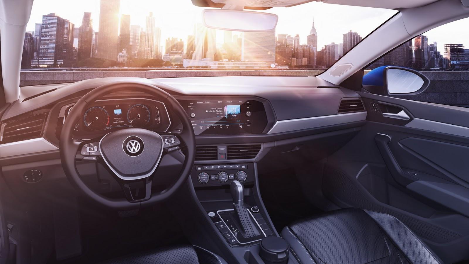 Volkswagen Jetta 2018 (15)