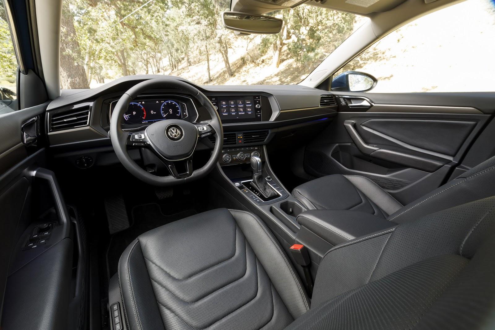 Volkswagen Jetta 2018 (16)