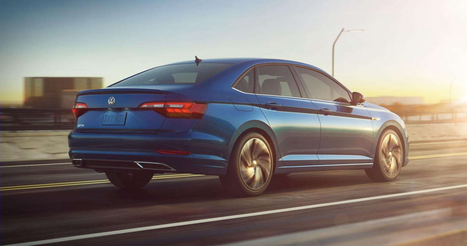 Volkswagen Jetta 2018 (4)