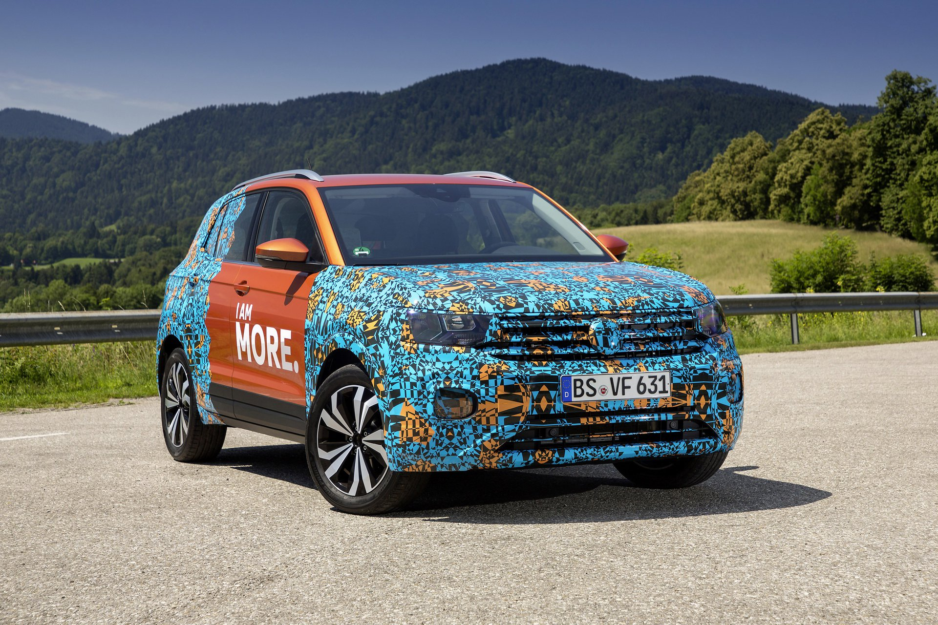 Volkswagen T-Cross Sneak Peak (13)