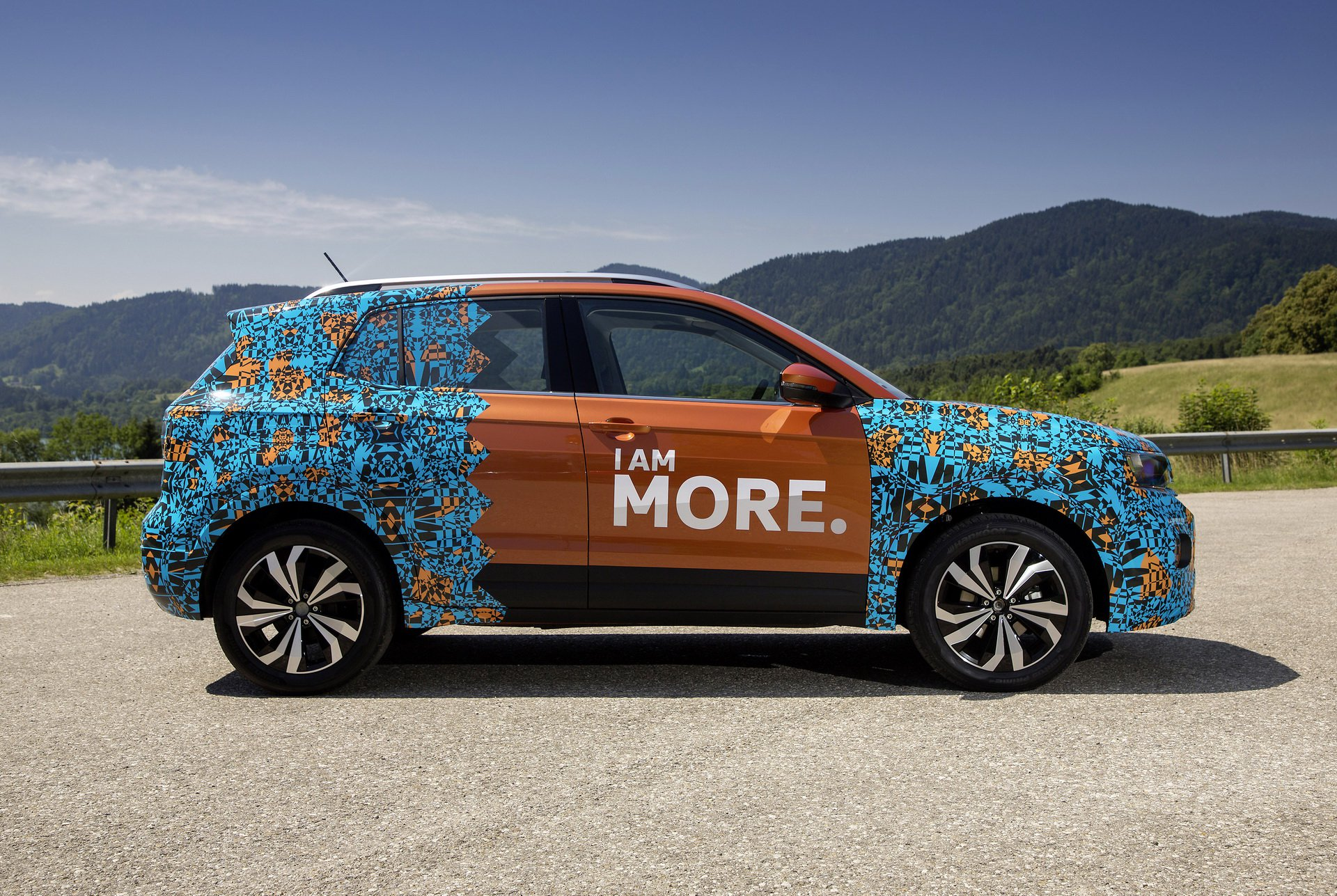Volkswagen T-Cross Sneak Peak (14)
