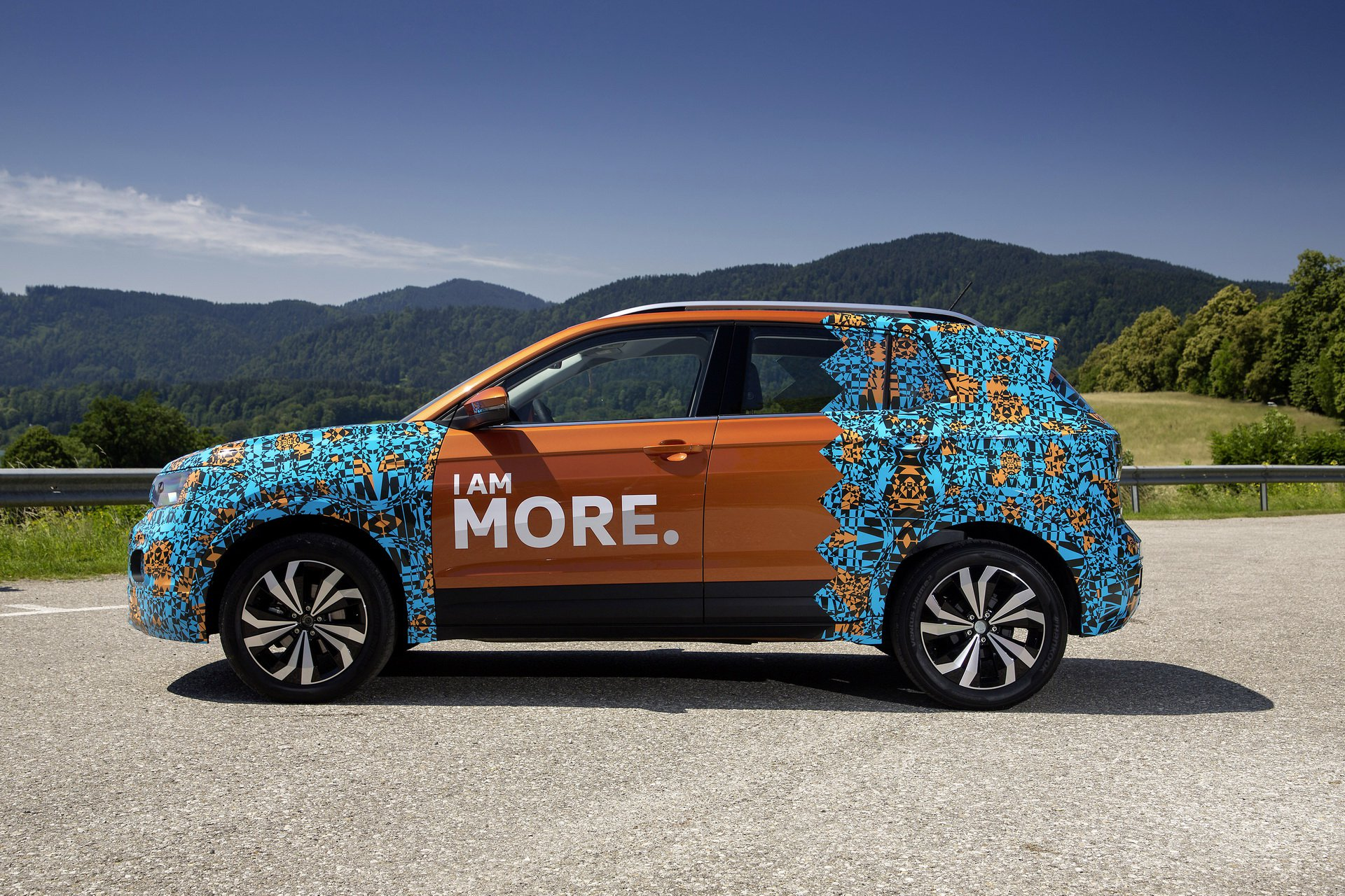 Volkswagen T-Cross Sneak Peak (15)