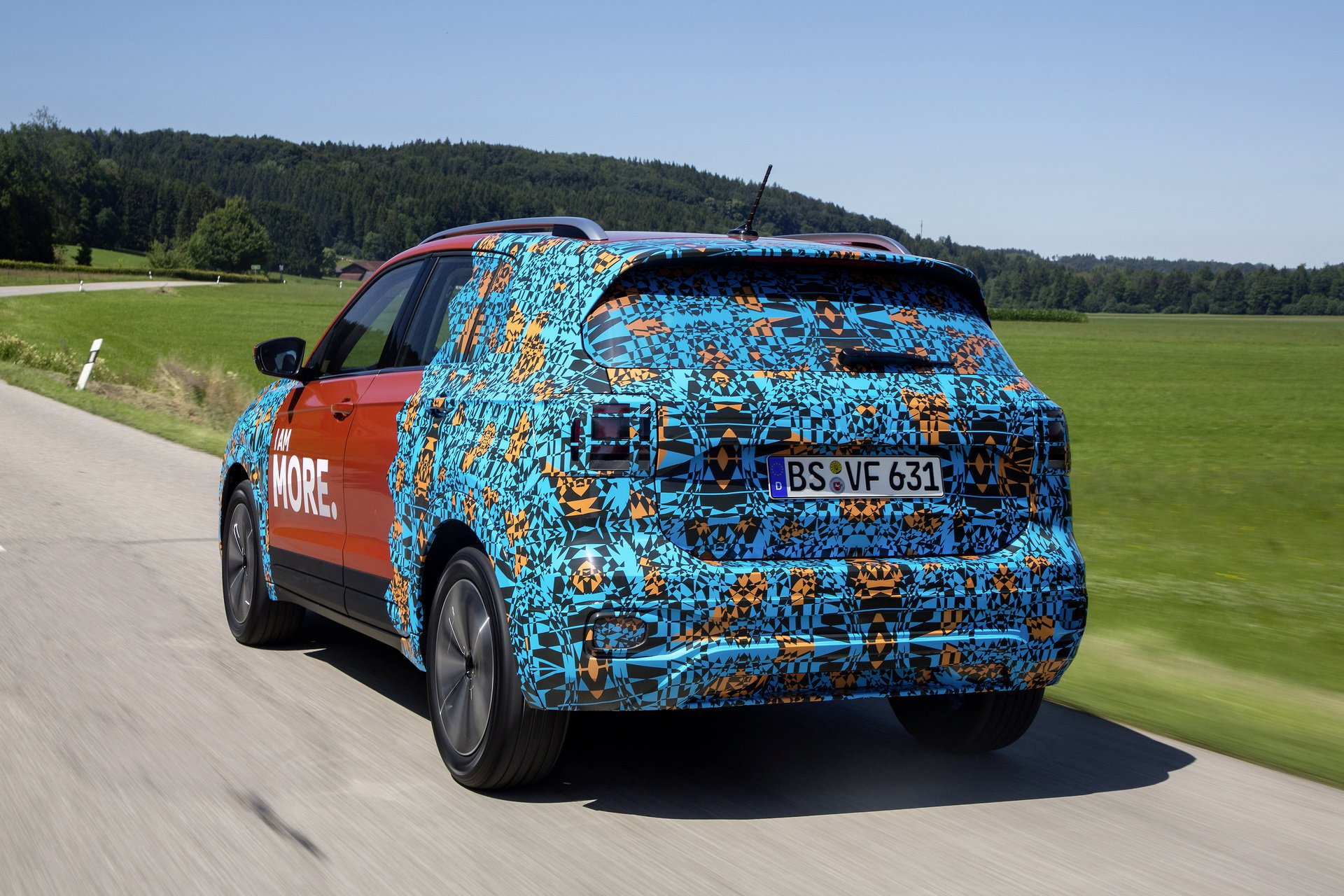 Volkswagen T-Cross Sneak Peak (17)