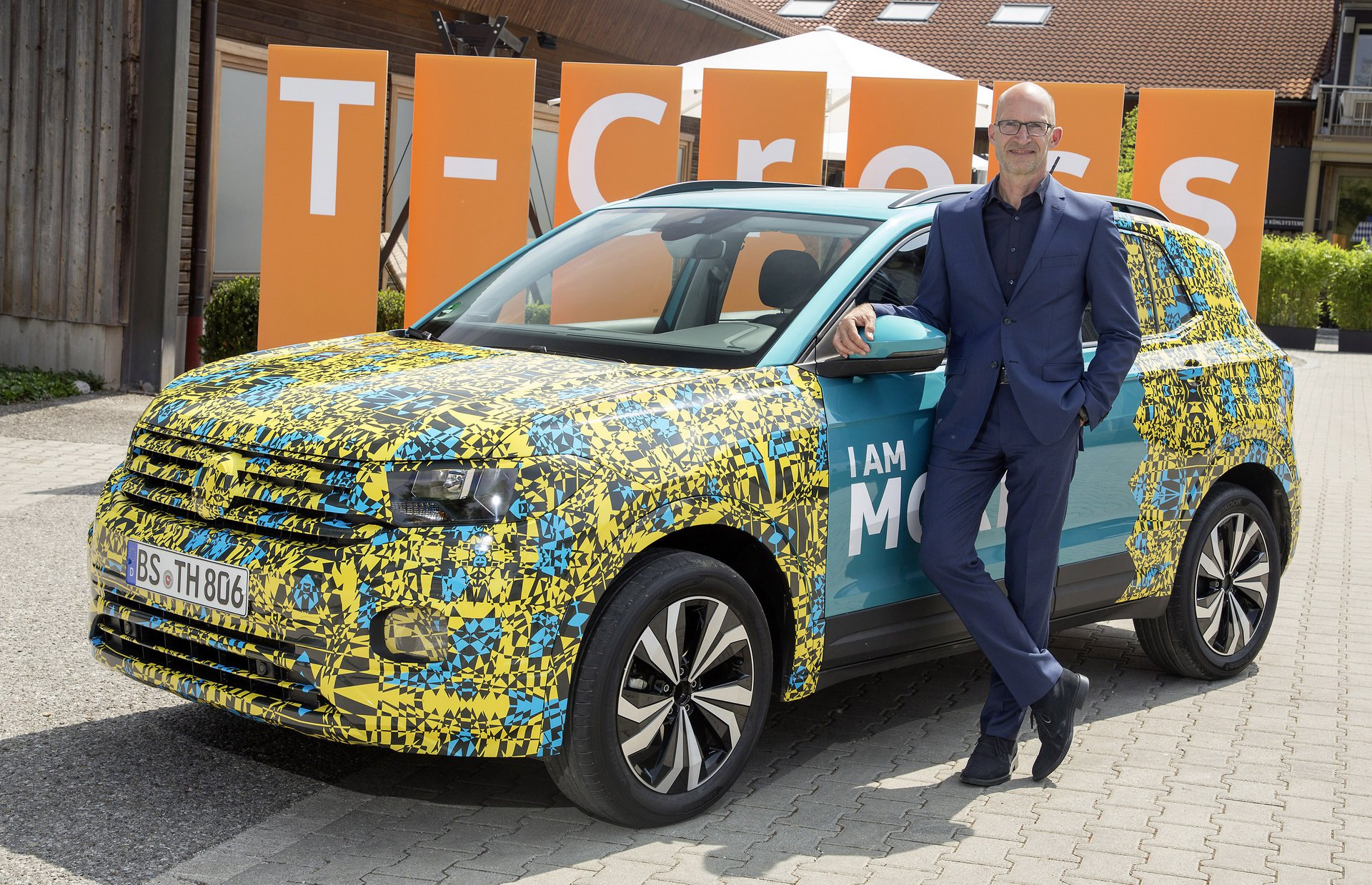 Volkswagen T-Cross Sneak Peak (27)