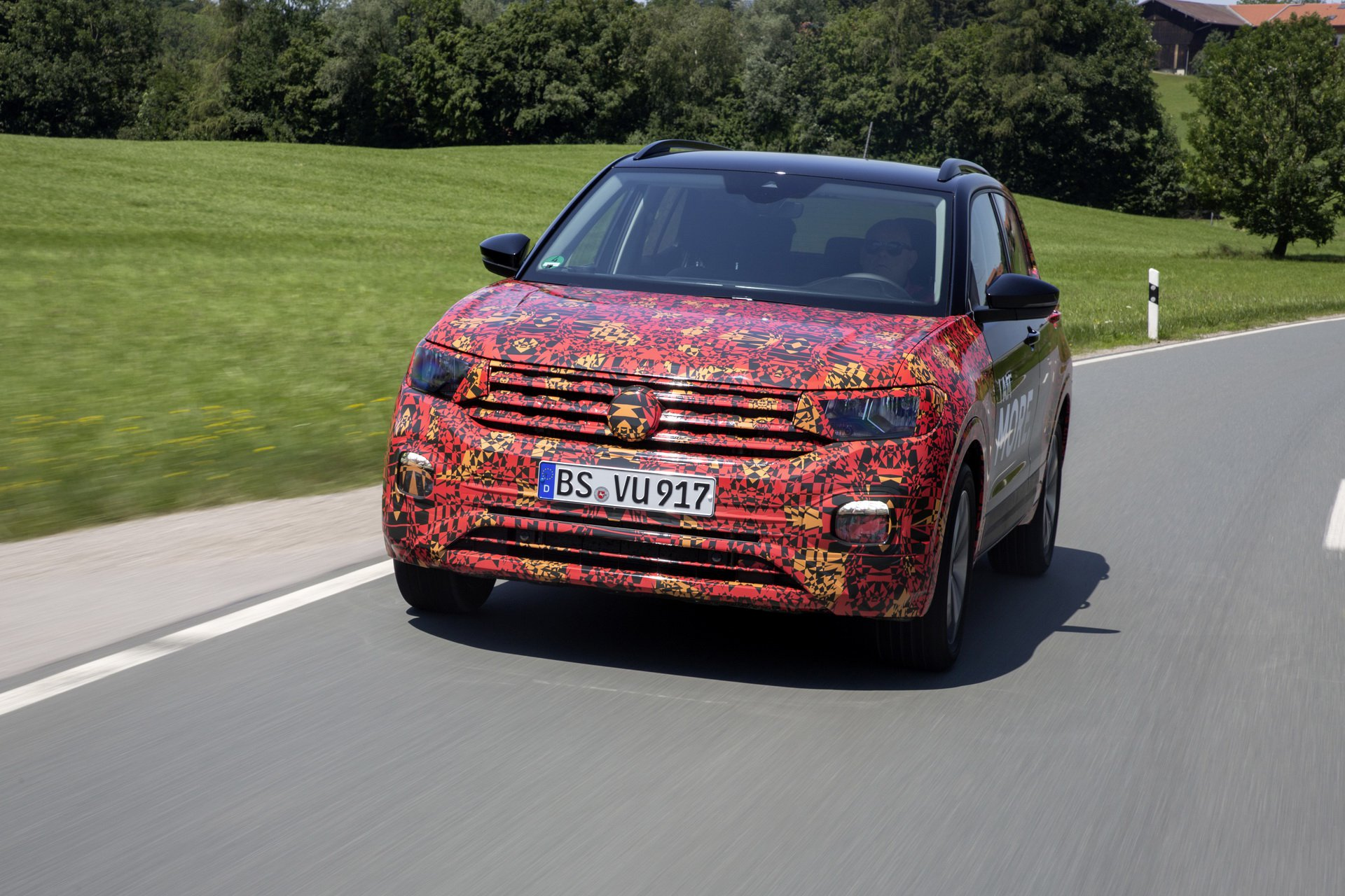 Volkswagen T-Cross Sneak Peak (35)