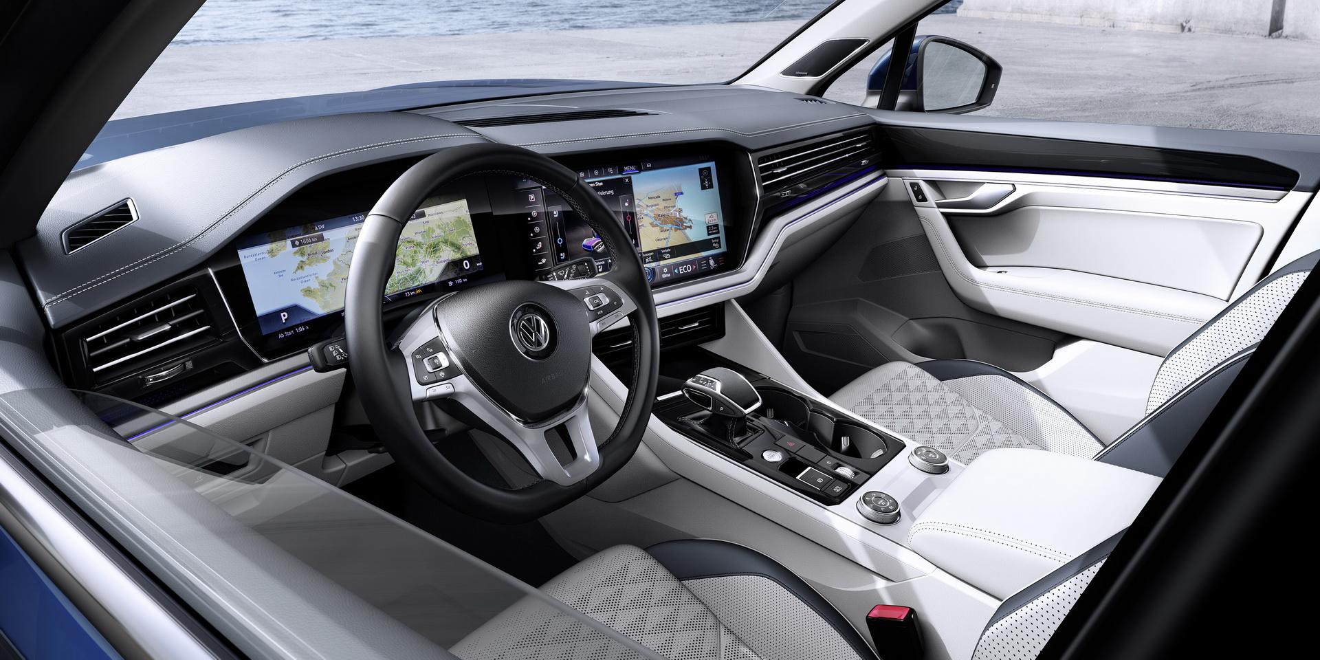 Volkswagen Touareg 2018 (19)