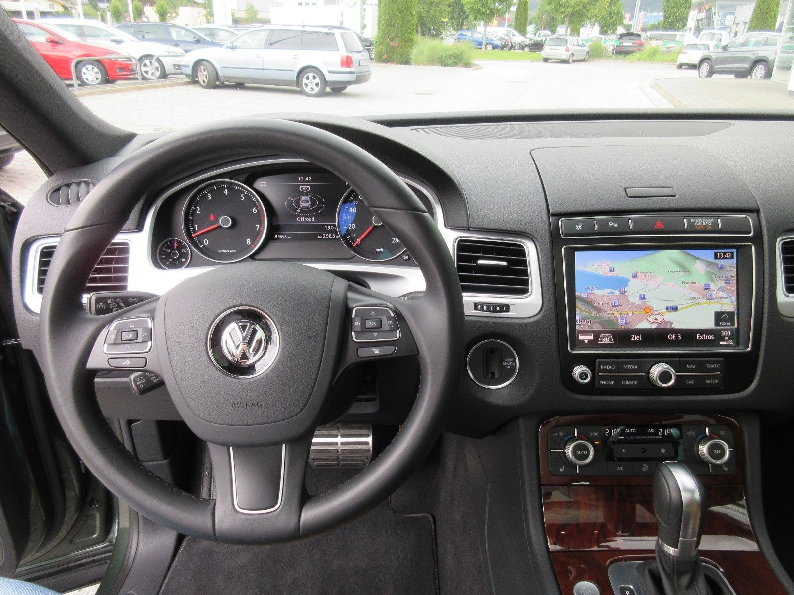 Volkswagen Touareg with RS6 engine (11)