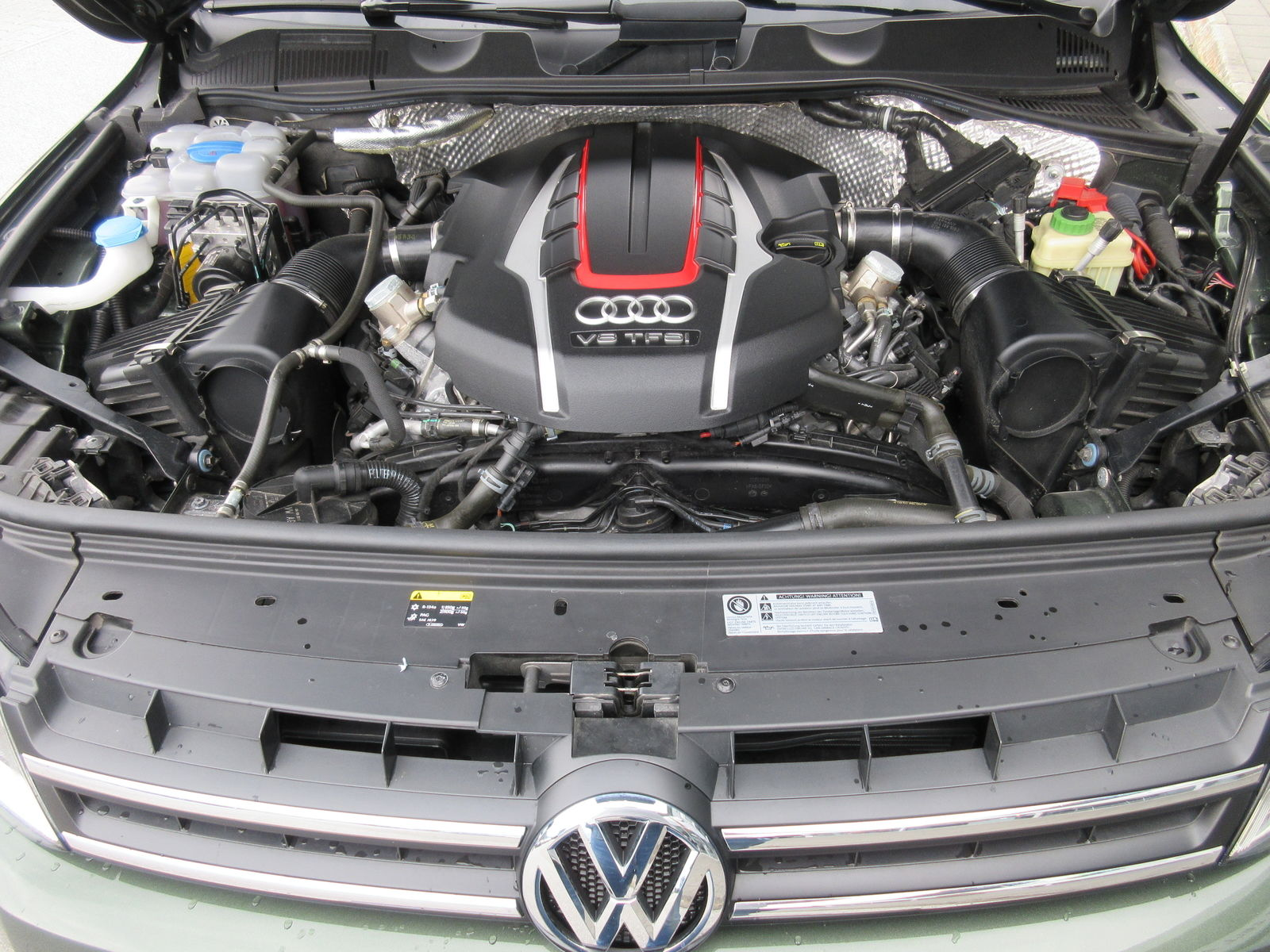 Volkswagen Touareg with RS6 engine (3)