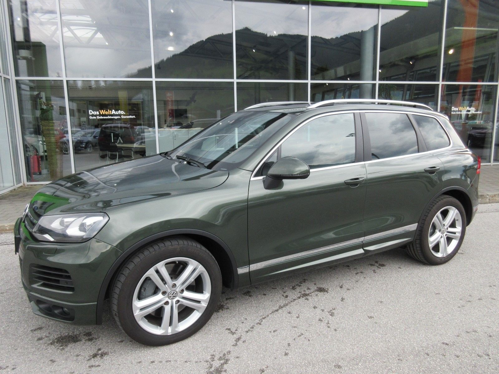 Volkswagen Touareg with RS6 engine (4)