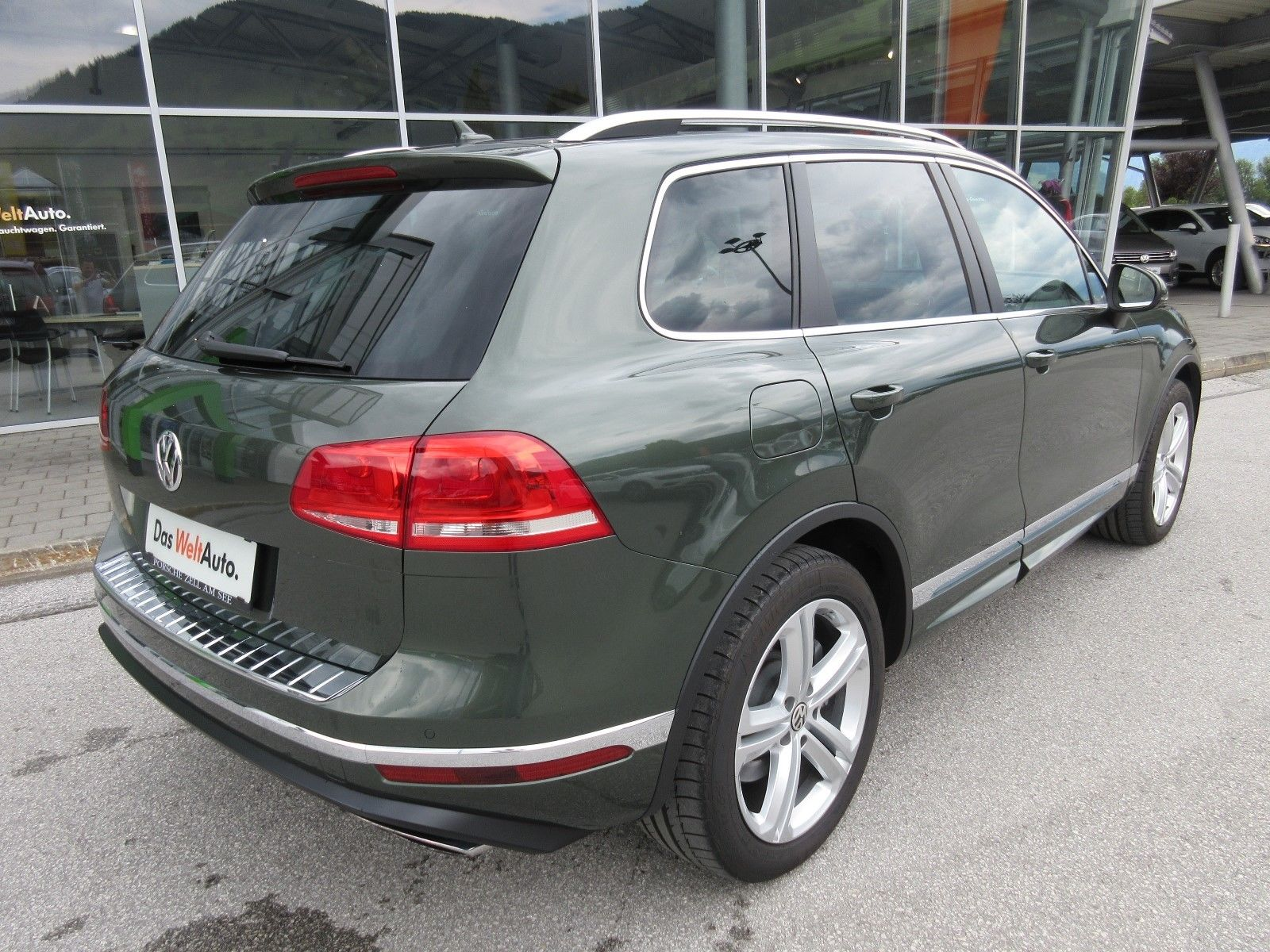 Volkswagen Touareg with RS6 engine (7)