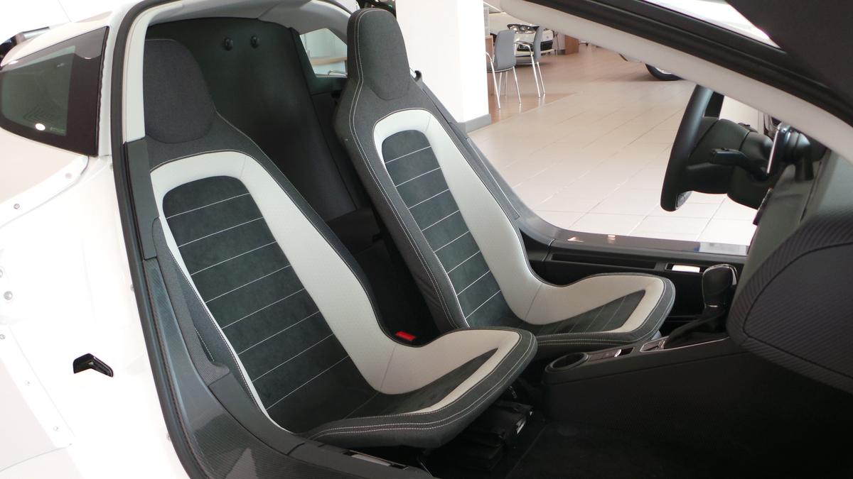 Volkswagen XL1 2014 (4)