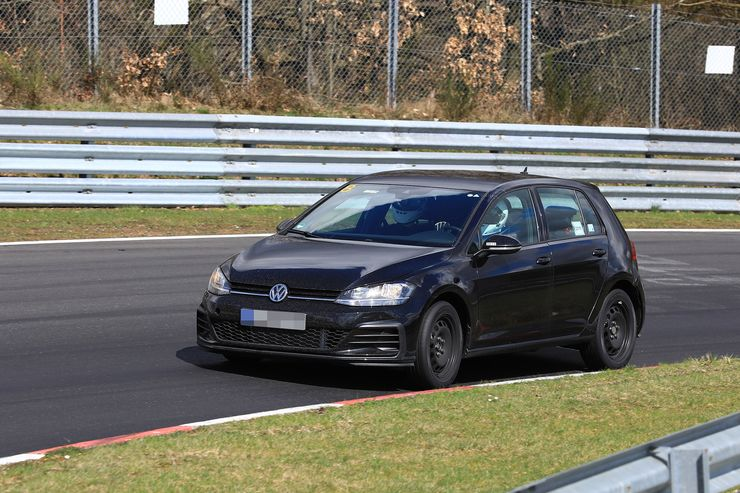 VW Golf 8 test mule (1)