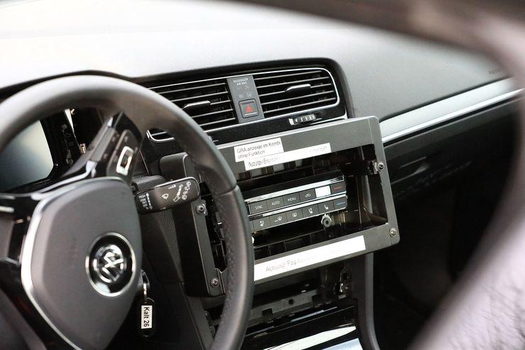 VW Golf 8 test mule (10)