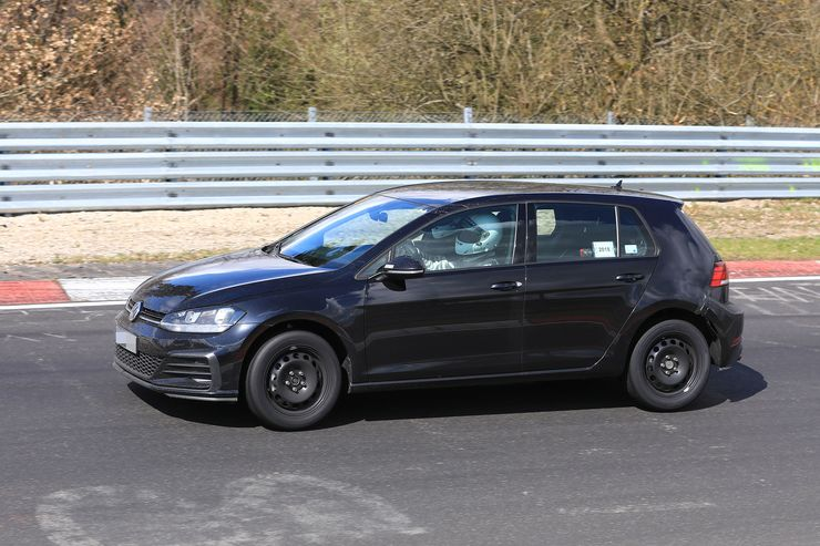 VW Golf 8 test mule (3)