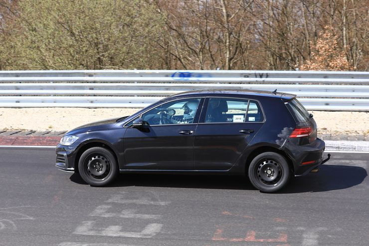 VW Golf 8 test mule (4)