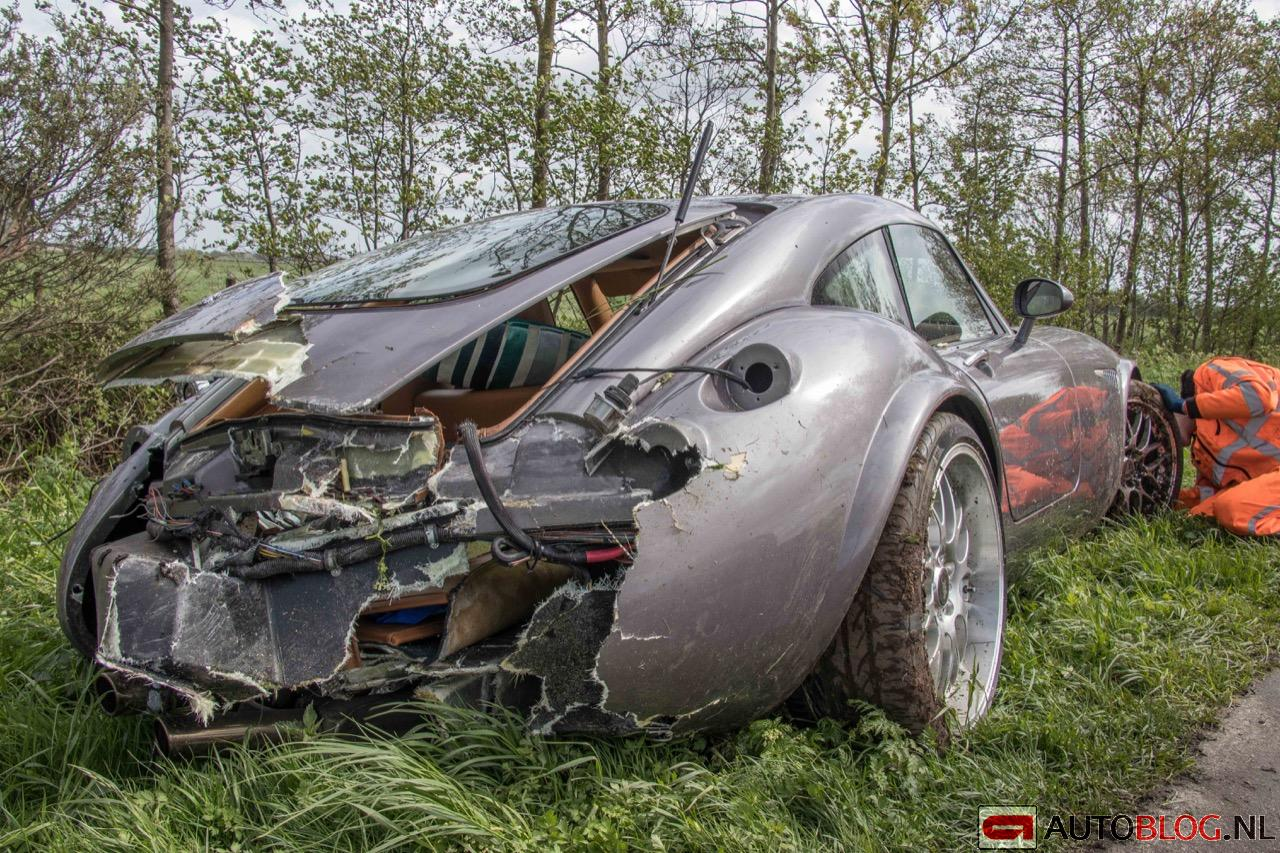 Wiesmann-MF4-GT-crash-01