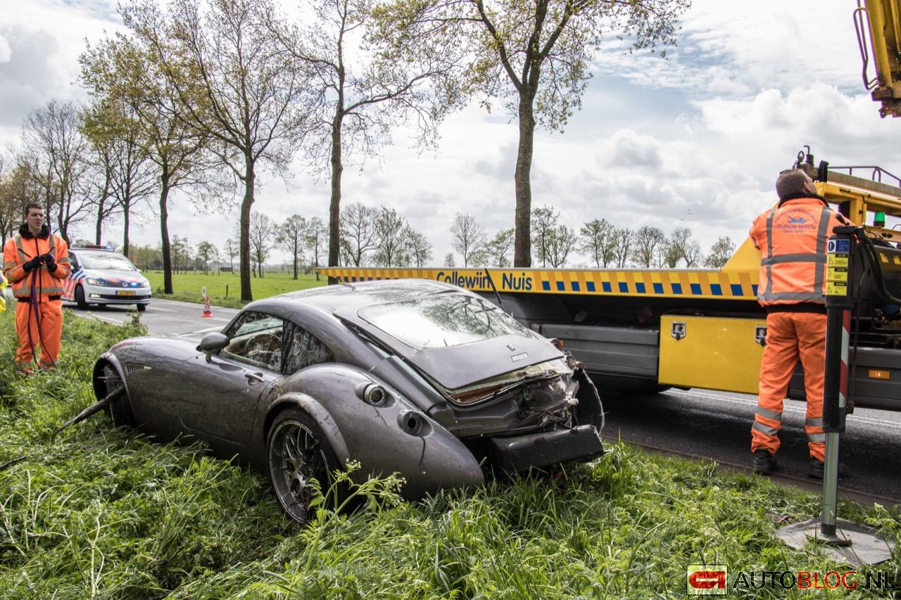 Wiesmann-MF4-GT-crash-03