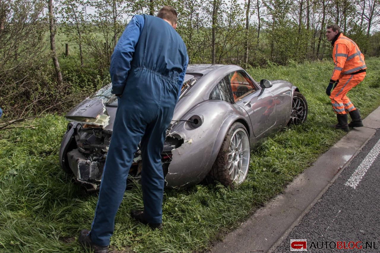 Wiesmann-MF4-GT-crash-05