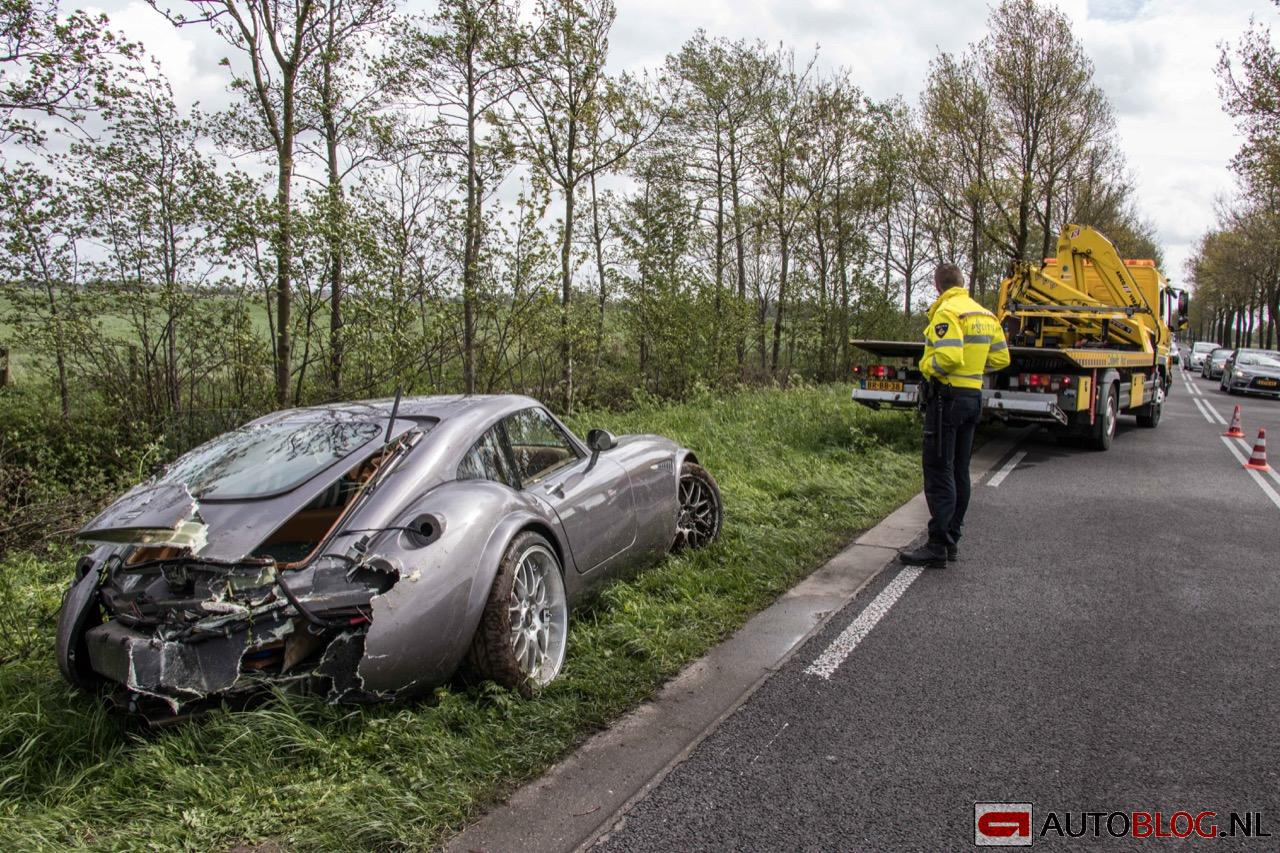 Wiesmann-MF4-GT-crash-06