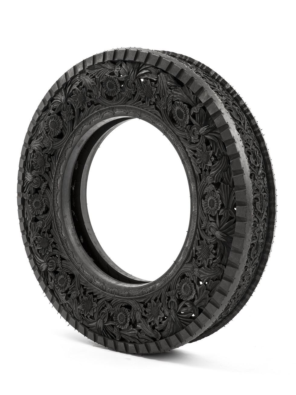 Wim Delvoye tyres (11)