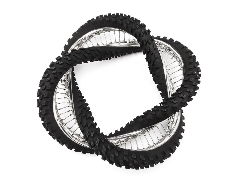 Wim Delvoye tyres (13)