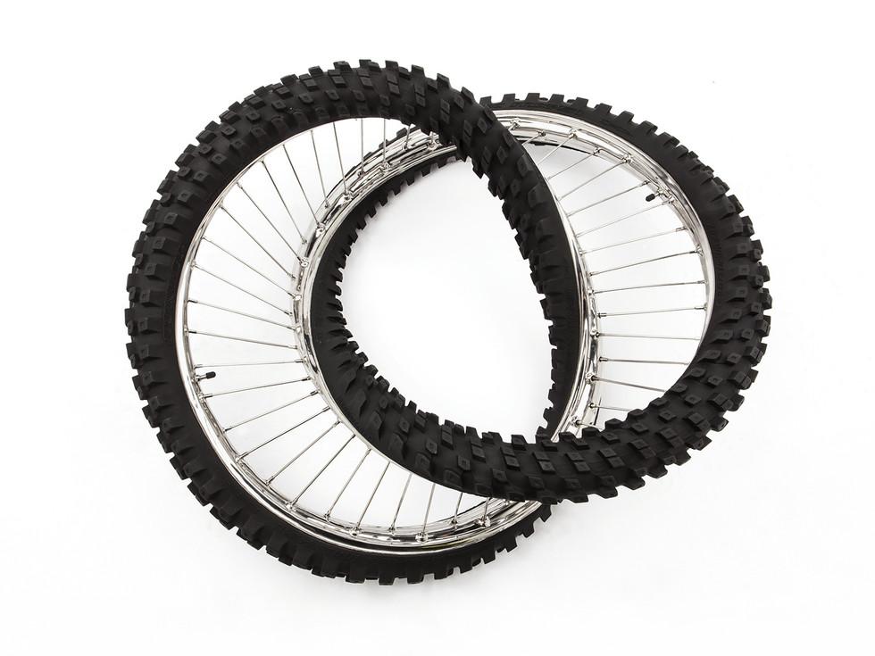 Wim Delvoye tyres (17)