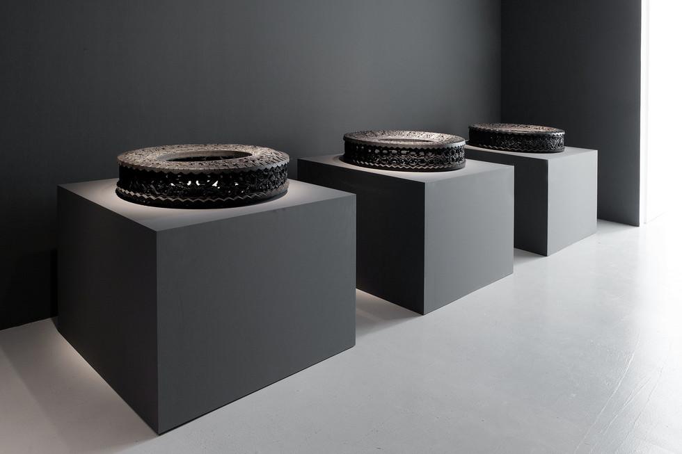 Wim Delvoye tyres (2)