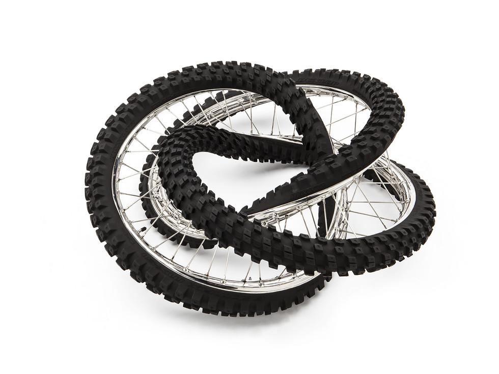 Wim Delvoye tyres (20)