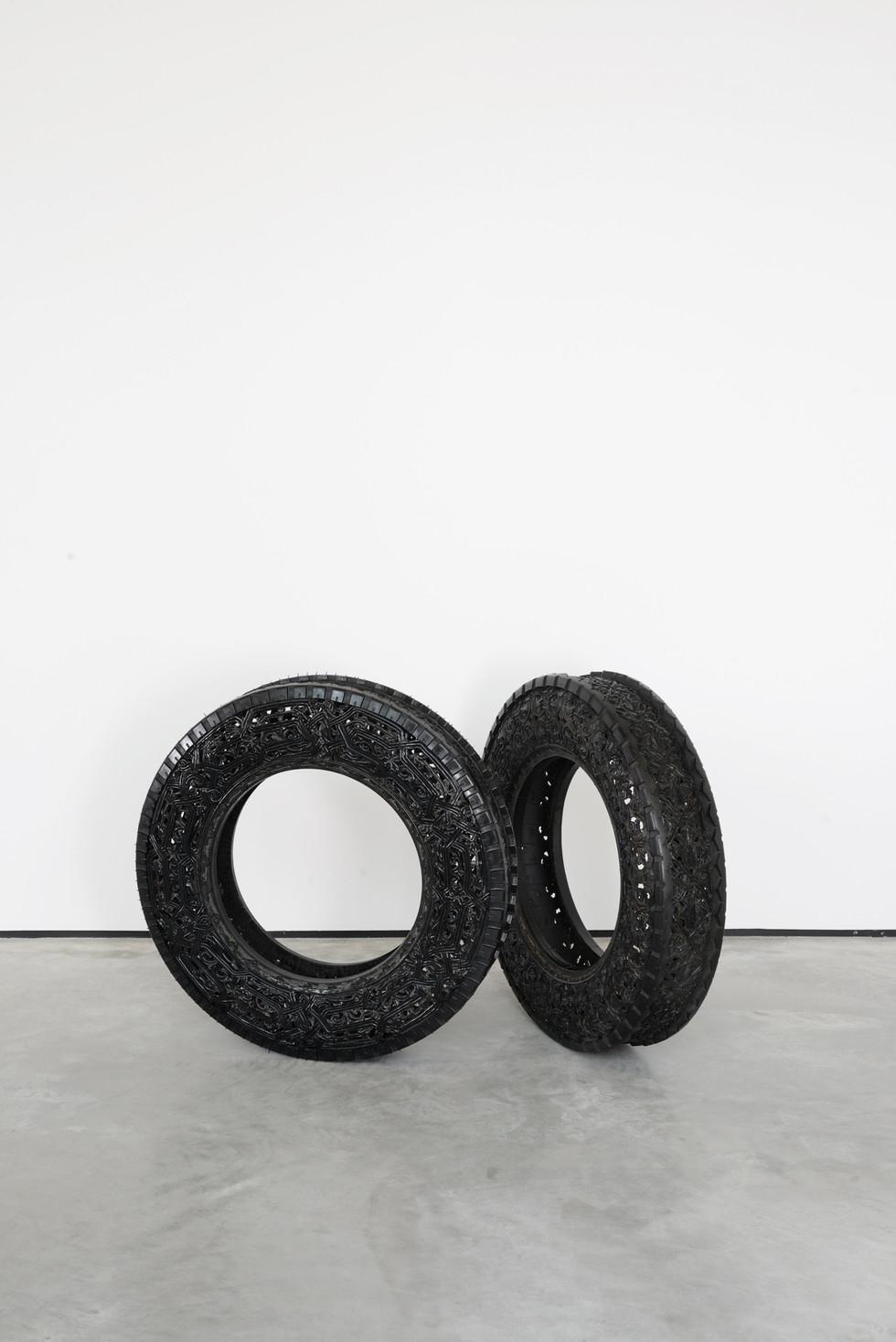 Wim Delvoye tyres (6)